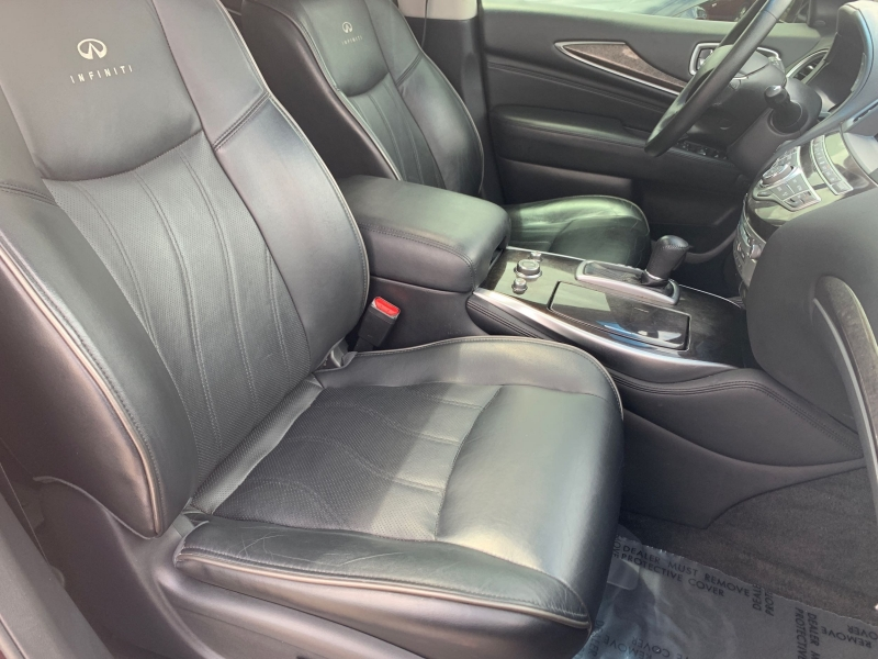 INFINITI JX35 2013 price $17,900