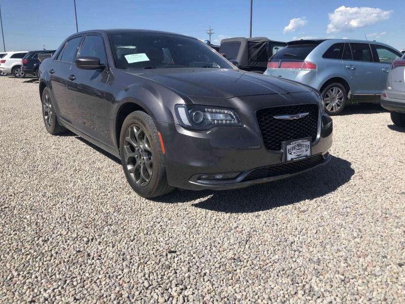 Chrysler 300 2016 price $20,999