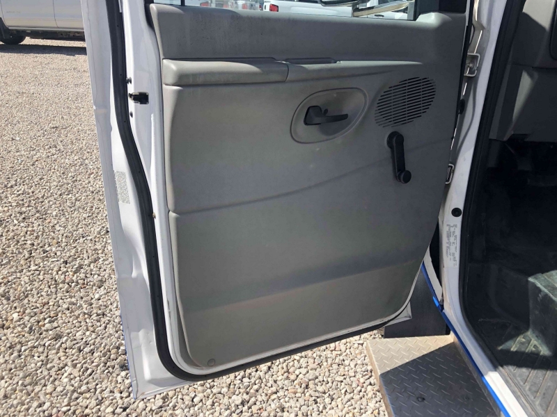 FORD ECONOLINE COMMERCIAL 2008 price $10,900