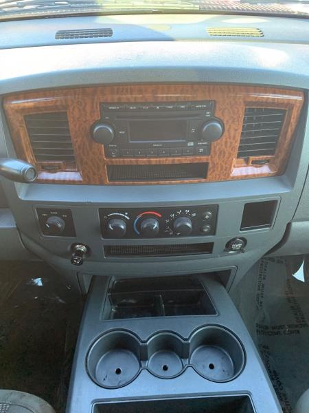 Dodge Ram Pickup 2500 2006 price $17,995