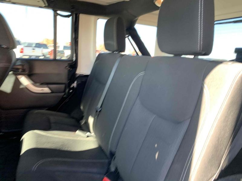 Jeep Wrangler Unlimited 2015 price $23,800
