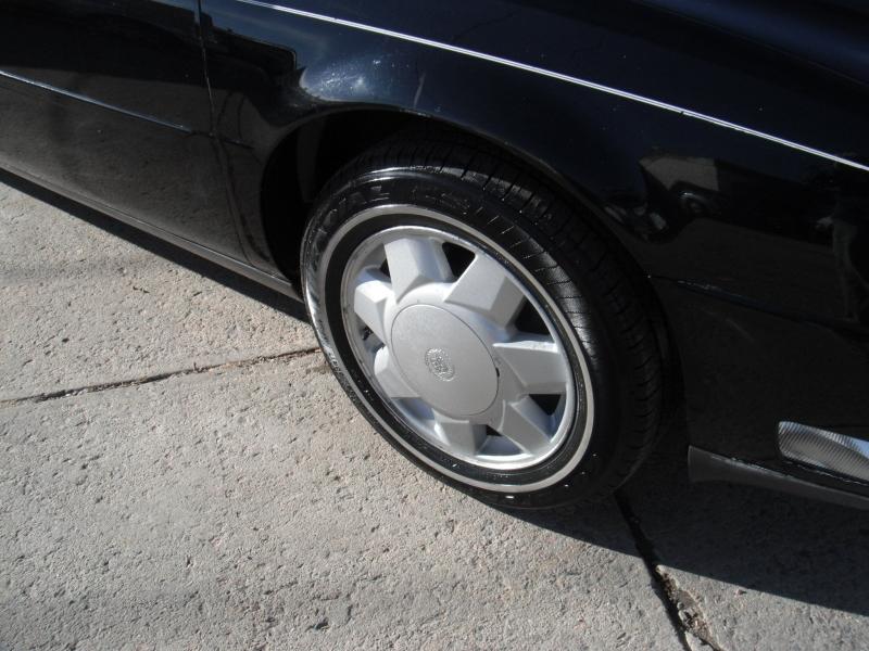 Cadillac DeVille 2000 price $5,995