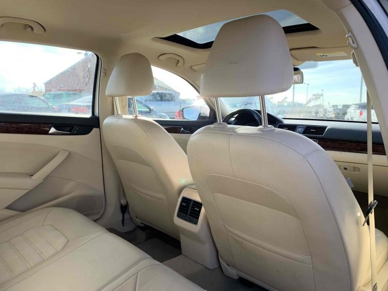 Volkswagen Passat 2013 price $13,600