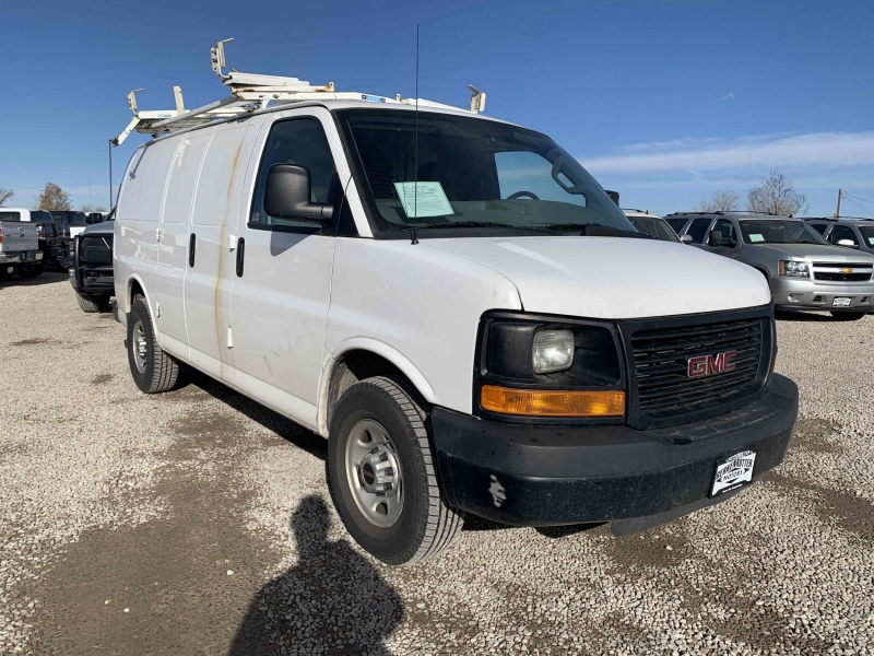 GMC Savana Cargo 2016 price $17,400