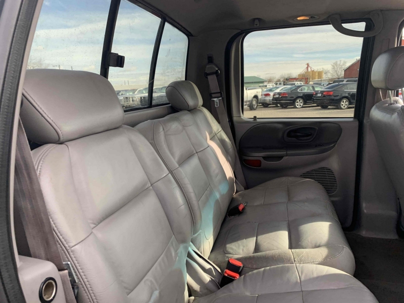 Ford F-150 2001 price $6,400