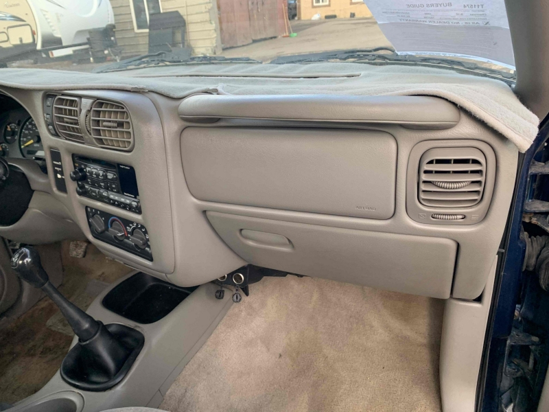 Chevrolet S-10 1999 price $5,500