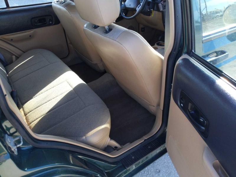 Jeep Cherokee 2001 price $4,995