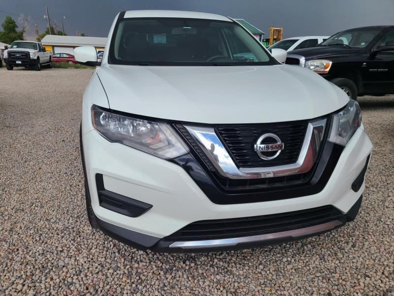 Nissan Rogue 2017 price $14,850