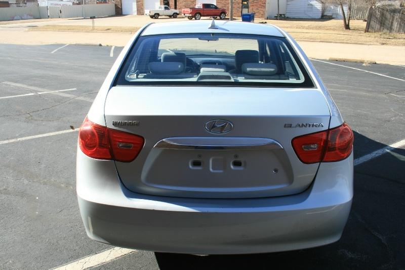Hyundai Elantra 2010 price $3,995 Cash