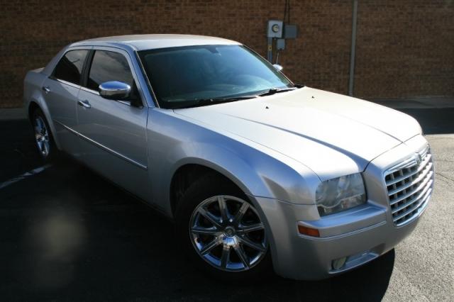 2010 Chrysler 300-Series
