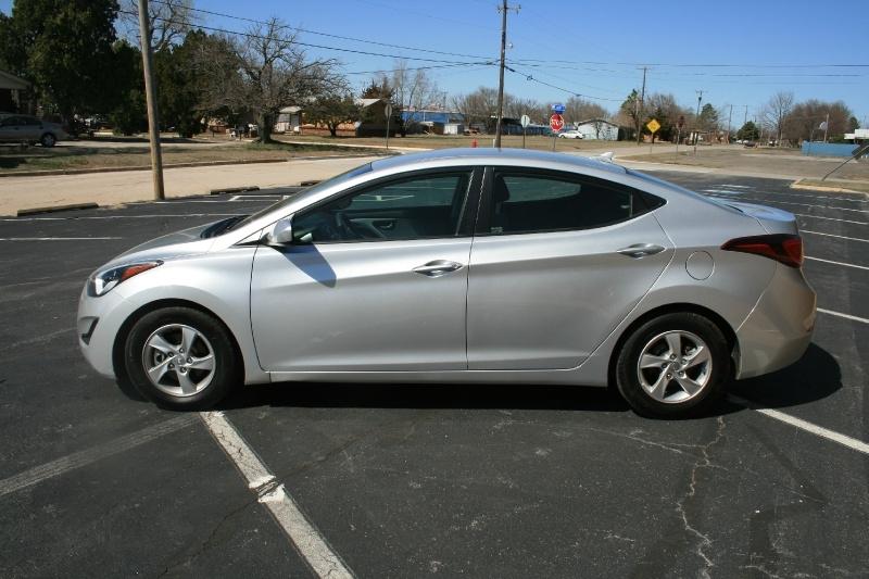 Hyundai Elantra 2015 price $6,250 Cash