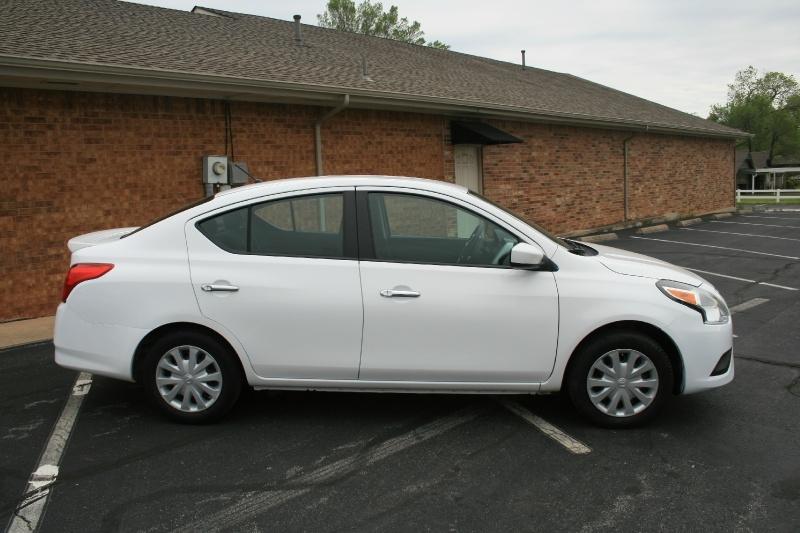 Nissan Versa 2015 price $5,450 Cash