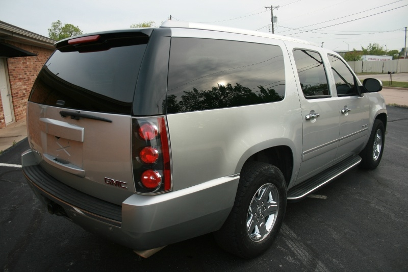 GMC Yukon XL 2011 price $8,995 Cash