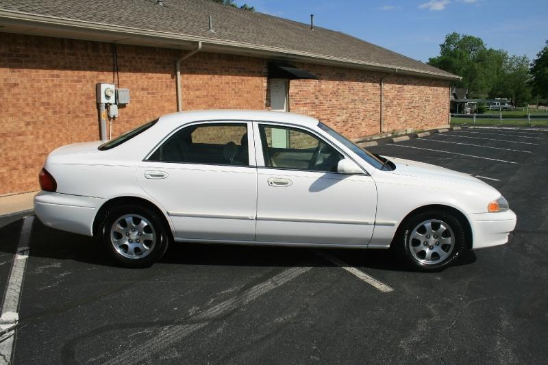 Mazda 626 2002 price $2,950 Cash