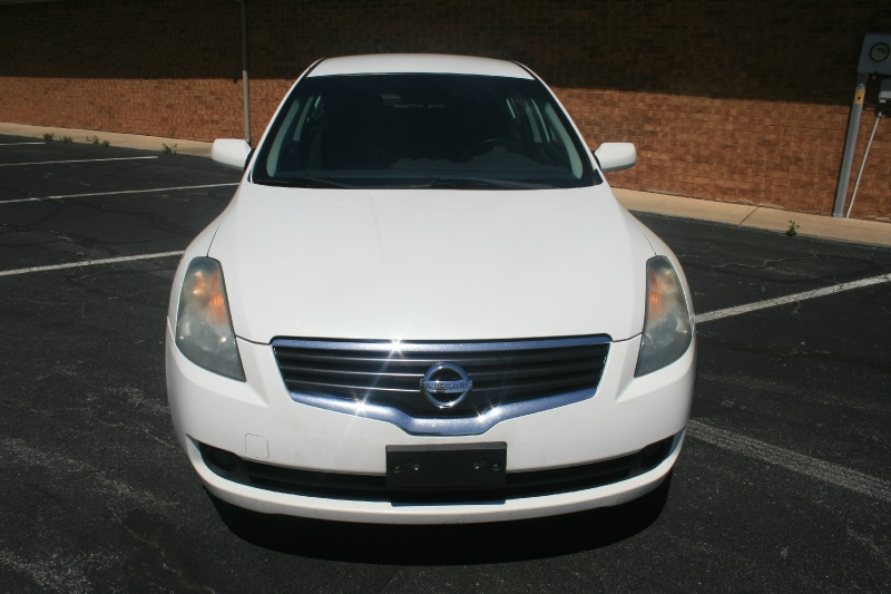 Nissan Altima 2009 price $3,450 Cash