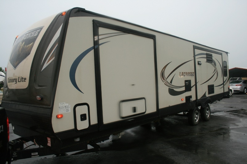Forest River Luxury Lite 2015 price $17,750 Cash