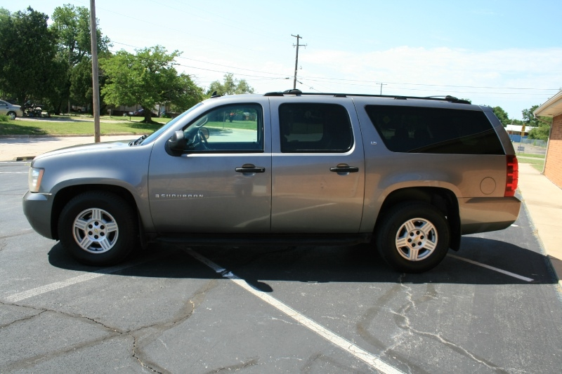 Chevrolet Suburban 2007 price $5,250 Cash