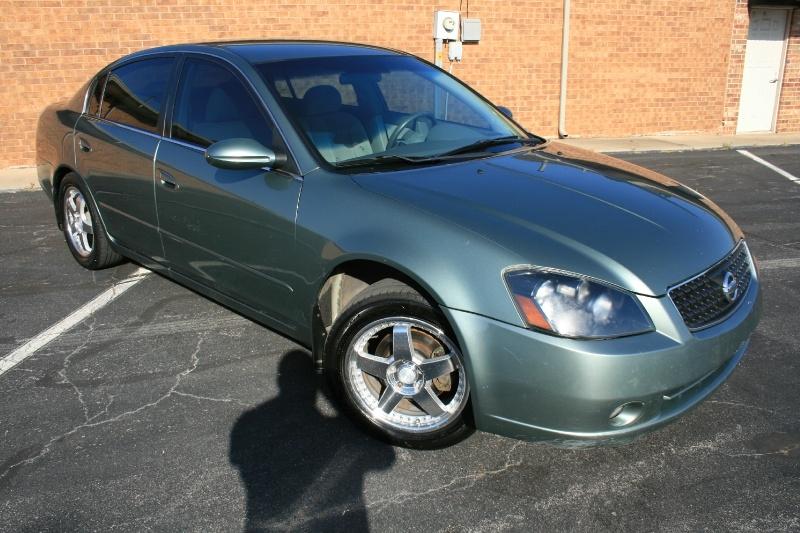 Nissan Altima 2006 price $2,995 Cash