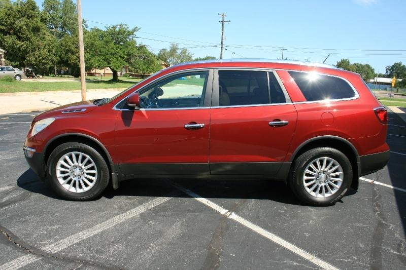 Buick Enclave 2011 price $7,450 Cash