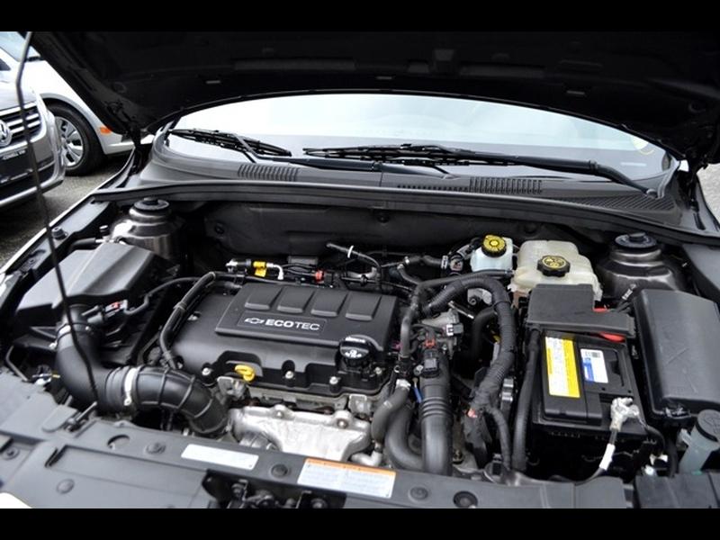 Chevrolet Cruze 2015 price $9,990