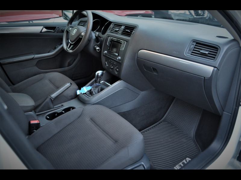 Volkswagen Jetta 2016 price $14,990