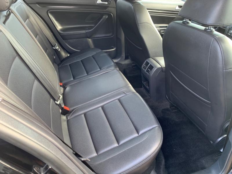 Volkswagen Jetta Wagon 2011 price $9,950