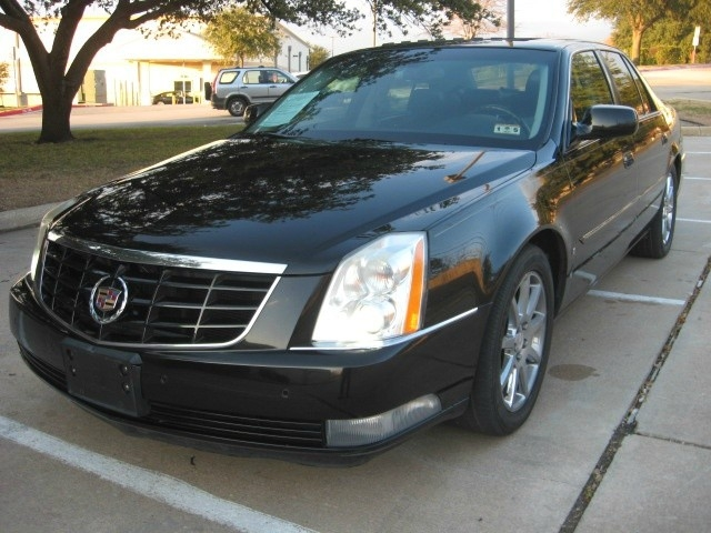2008 Cadillac DTS Owners Manual