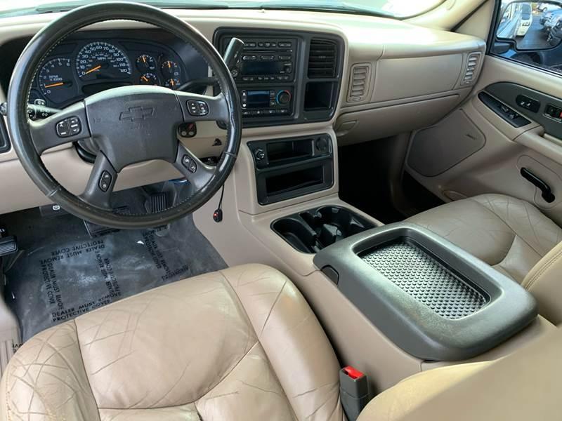 Chevrolet Avalanche 2004 price $5,990