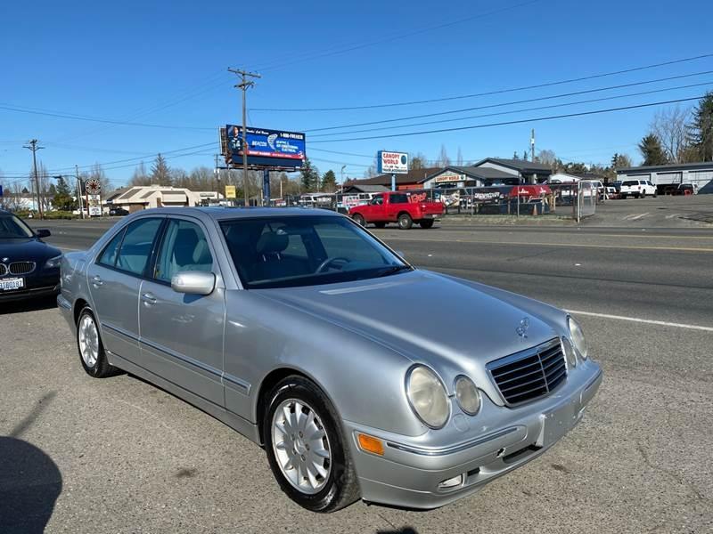 Mercedes-Benz E-Class 2000 price $2,499
