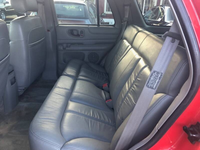 Chevrolet Blazer 2001 price $1,990