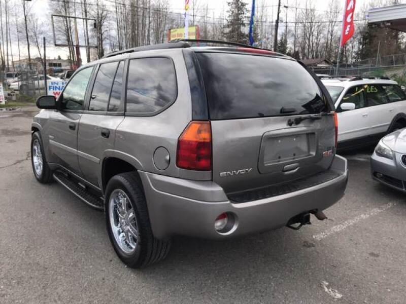 GMC Envoy 2006 price $3,499