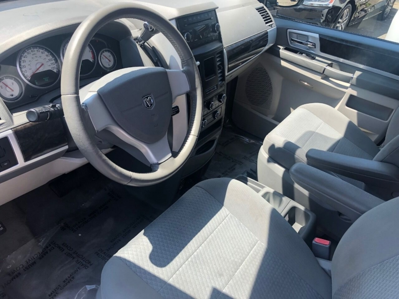 Dodge Grand Caravan 2010 price $5,990