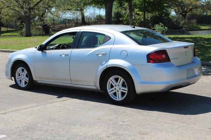 Dodge Avenger 2012 price $3,500