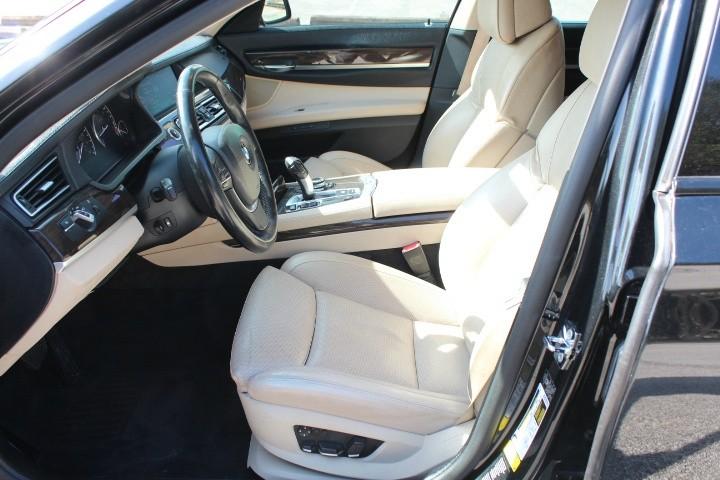 BMW 7-Series 2009 price $7,990