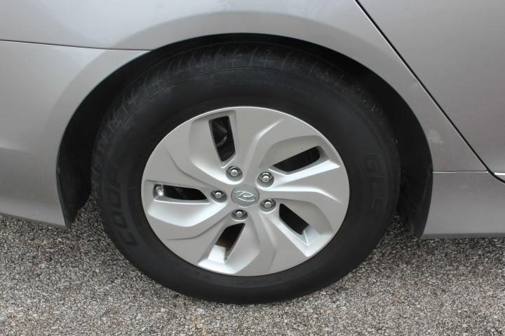 Hyundai Sonata Hybrid 2013 price $6,500