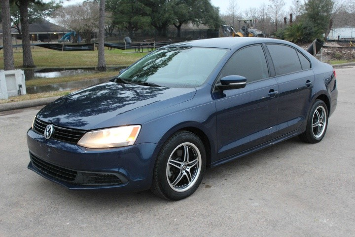 Volkswagen Jetta Sedan 2014 price $4,000