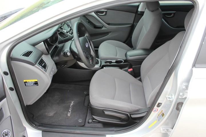 Hyundai Elantra 2016 price $8,900