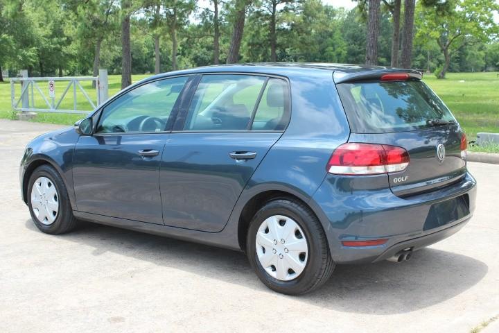 Volkswagen Golf 2013 price $4,990