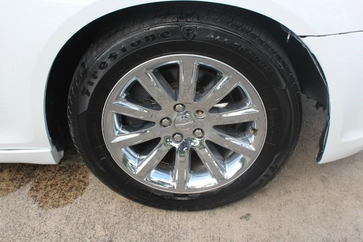 Chrysler 300 2012 price $7,990
