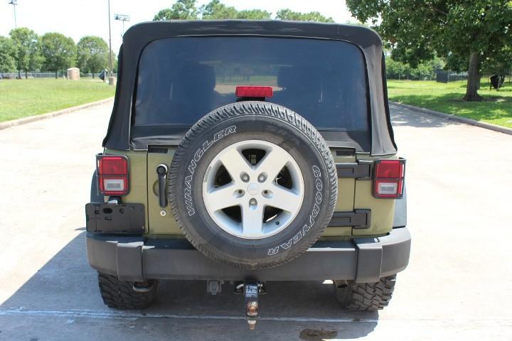 Jeep Wrangler Unlimited 2013 price $18,900