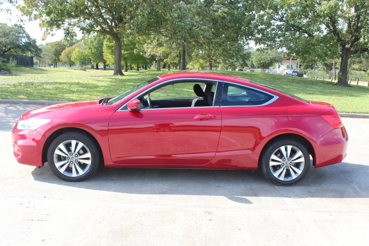 Honda Accord Cpe 2012 price $6,990