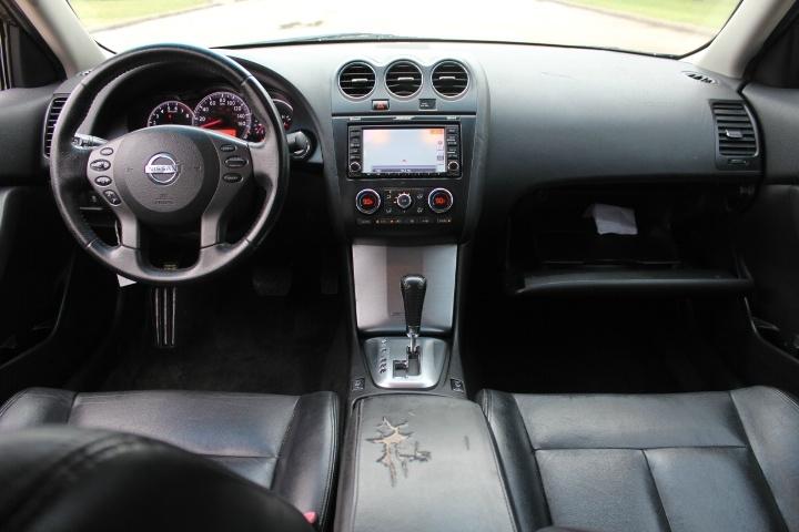 Nissan Altima 2011 price $4,990