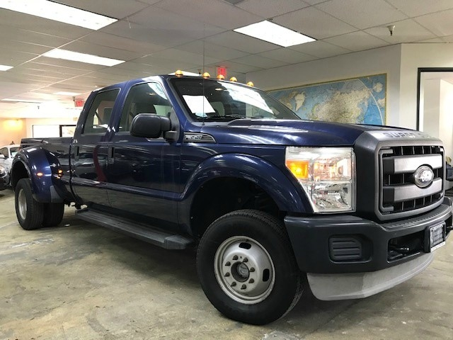 2011 Ford F350 Super Duty Crew Cab XL 4WD
