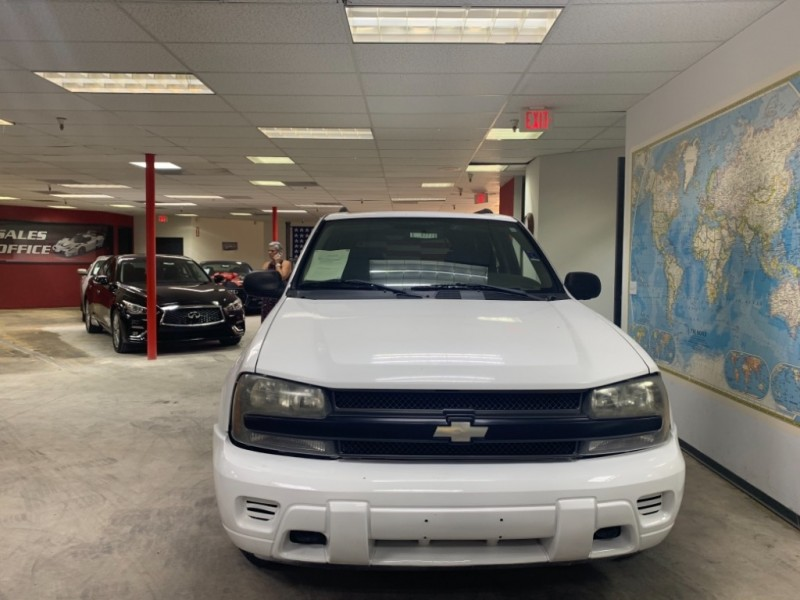 Chevrolet TrailBlazer 4WD 2004 price $3,900