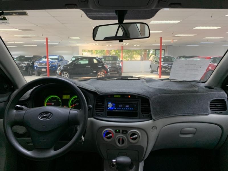 Hyundai Accent GLS 2009 price $3,700