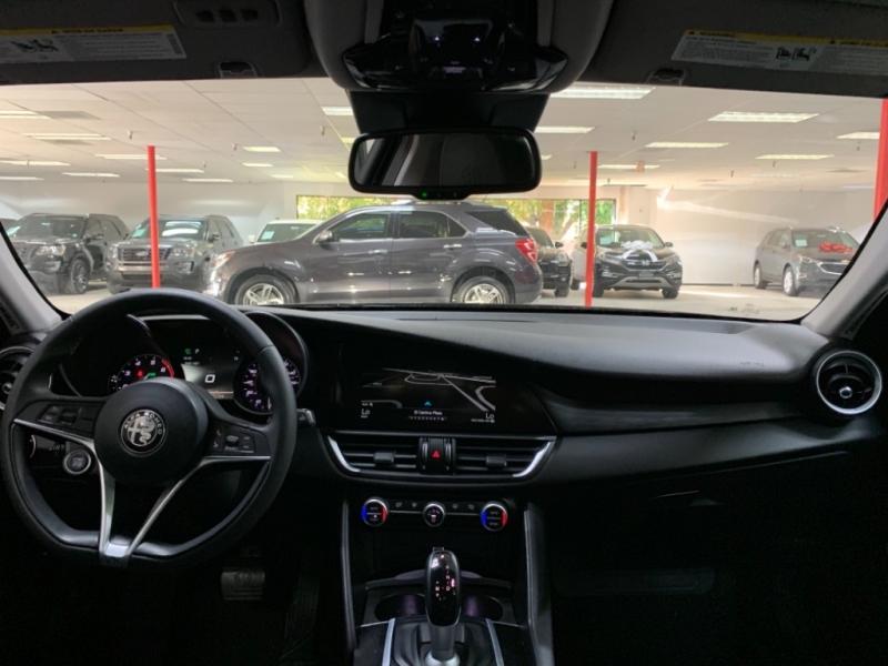 Alfa Romeo Giulia 2017 price $22,000