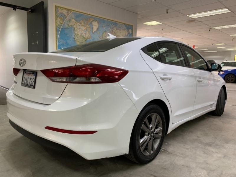 Hyundai Elantra SE 2017 price $11,500