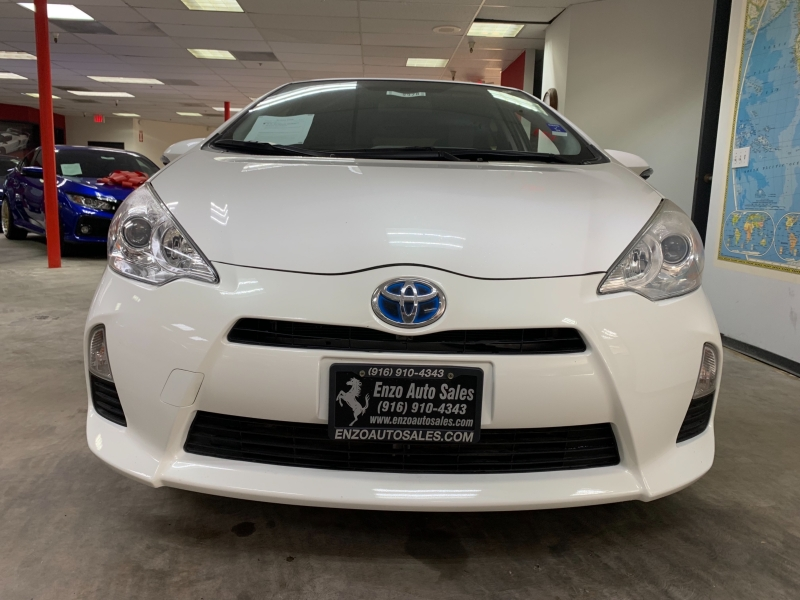 Toyota Prius c Two 2014 price $7,700