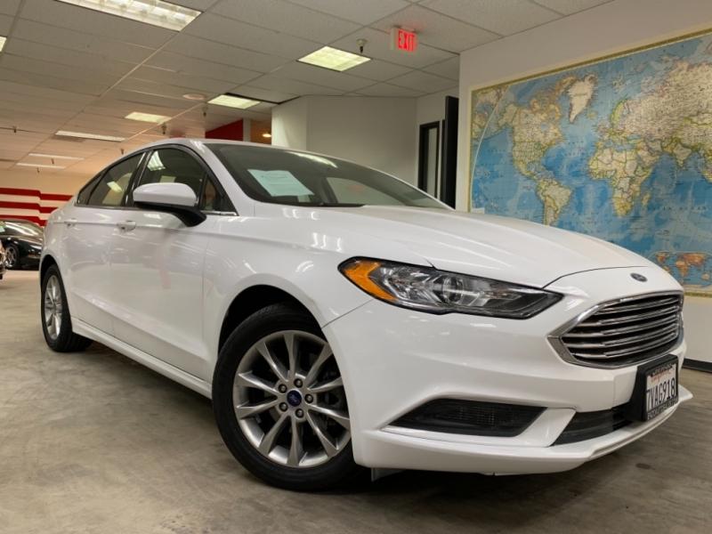 Ford Fusion SE 2017 price $12,800