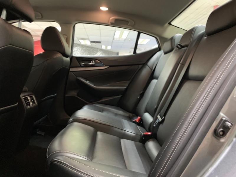 Nissan Maxima SV 2018 price $17,900